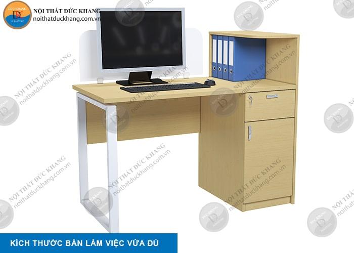 Kích thước bàn làm việc vừa đủ