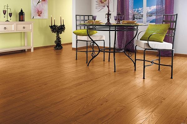Kinh nghiệm lựa chọn sàn gỗ phòng khách phù hợp cho gia đình