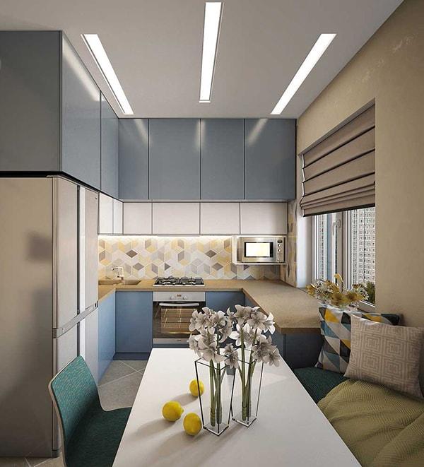 Phòng bếp nhỏ nhưng đầy màu sắc