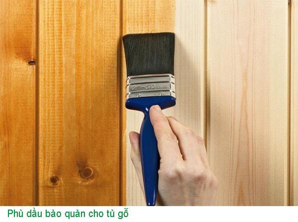 Phủ dầu bảo quản cho tủ gỗ