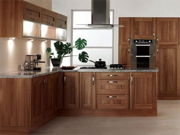 Tủ bếp gỗ xoan đào mang lại sự ấm cúng cho căn bếp