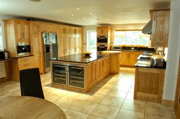Đồ nội thất gỗ có sức chịu ngoại lực không cao