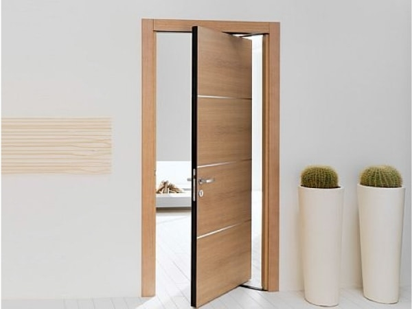 """Hóa giải """"đại kỵ"""" hai cửa phòng ngủ đối diện nhau như thế nào?"""