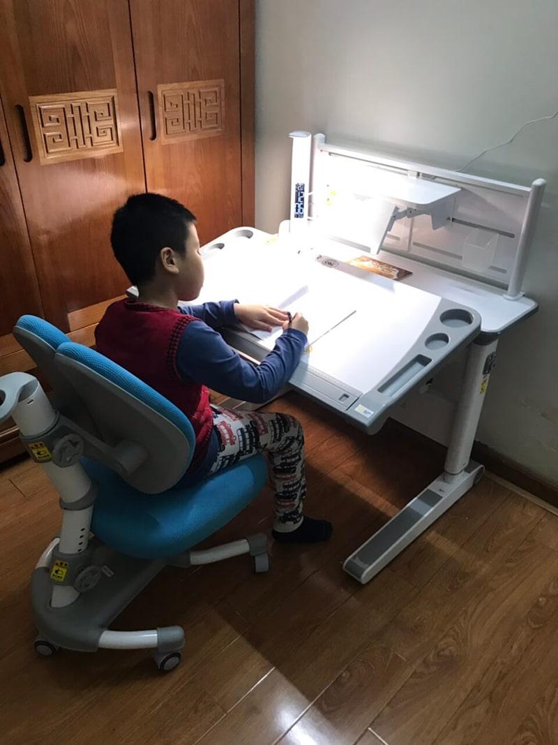 Cấu tạo của bàn học thông minh bố mẹ chắc chắn nên chọn